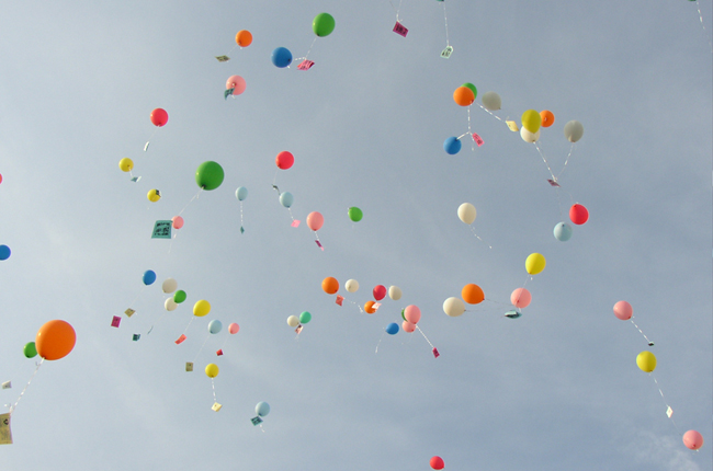 blog_jubilaeum_freeimages_pcst_flying-balloons-1-1487531